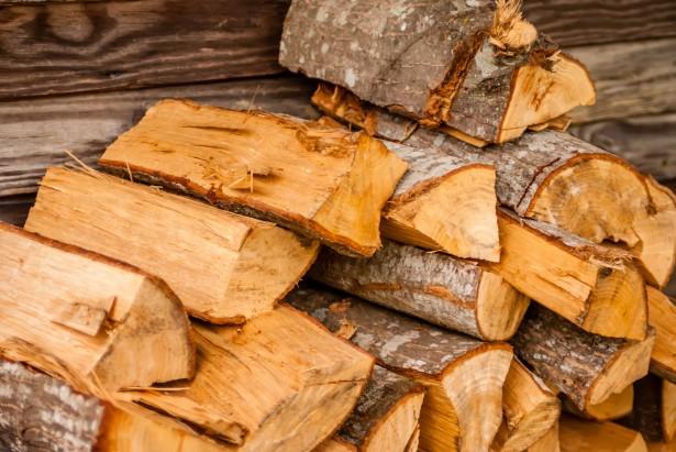 eladó hasított tűzifa Dunabogdány