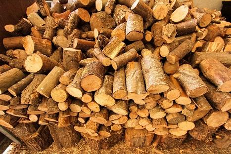 Tűzifa kuglizva Albertirsa